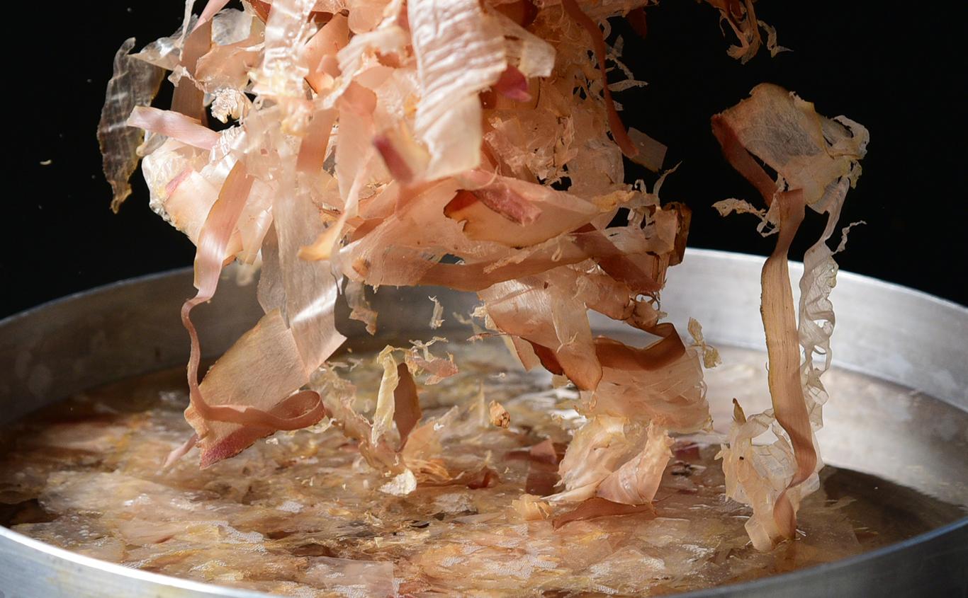 伝統の味を今に伝え、新しい食を創造します。